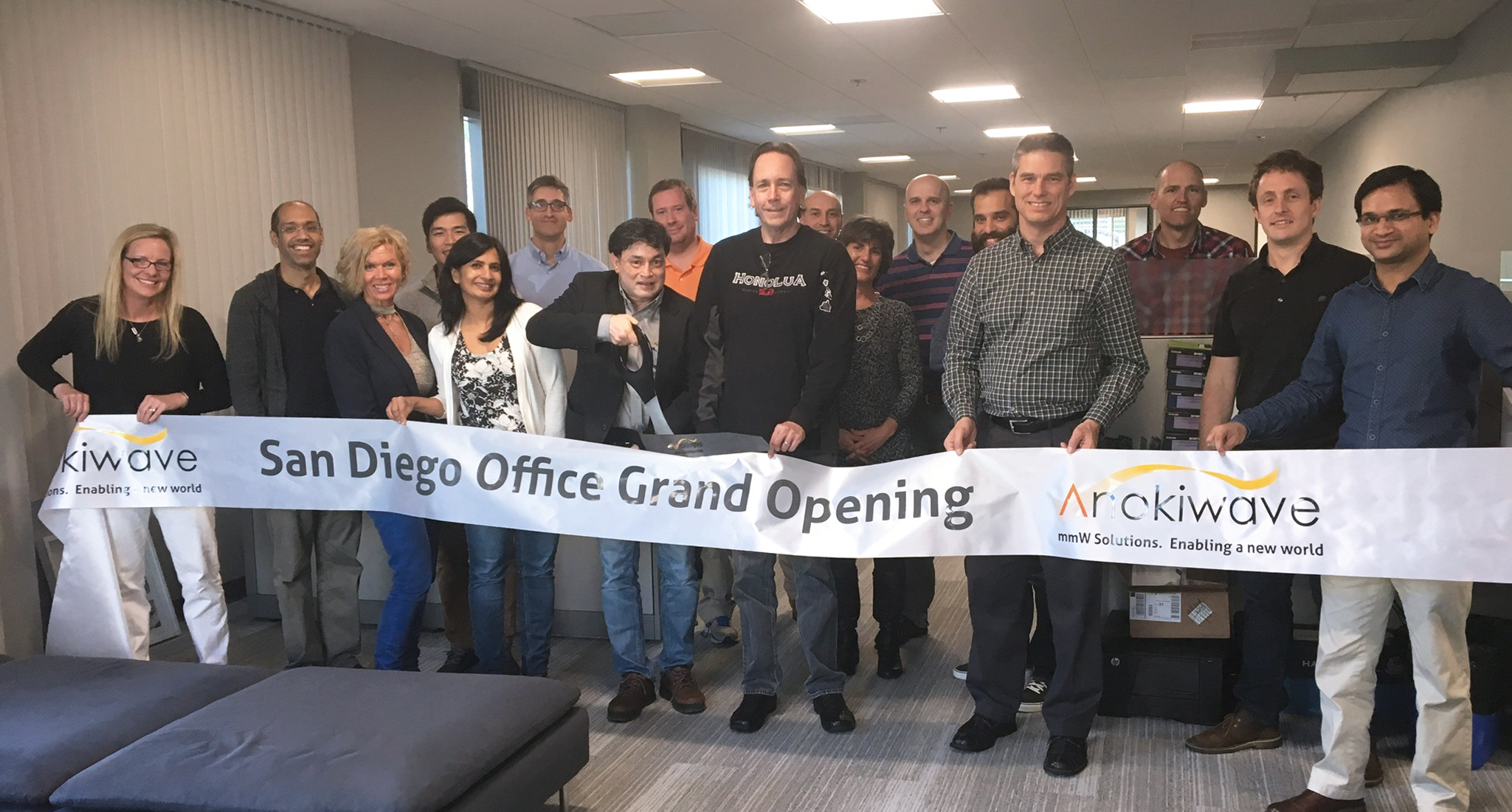 Anokiwave founders Nitin and Deepti Jain at the ribbon cutting ceremony for the new San Diego office.